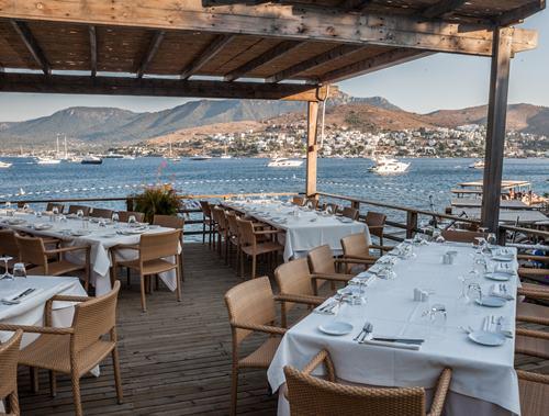 macakizi-hotel-turkbuku-bodrum-teras-restorani
