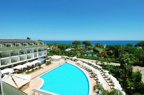 zena-resort-hotel-havuz-3
