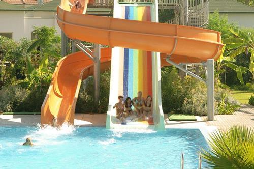 zena-resort-hotel-su-kayagi-havuz