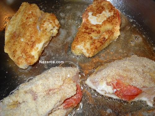 peynirli-ve-sucuklu-kasarli-tavuk-gogsu-dolmasi-7