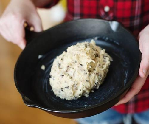 Tava-kurabiyesi-dondurma-ve-cikolatali-sunumlu-2
