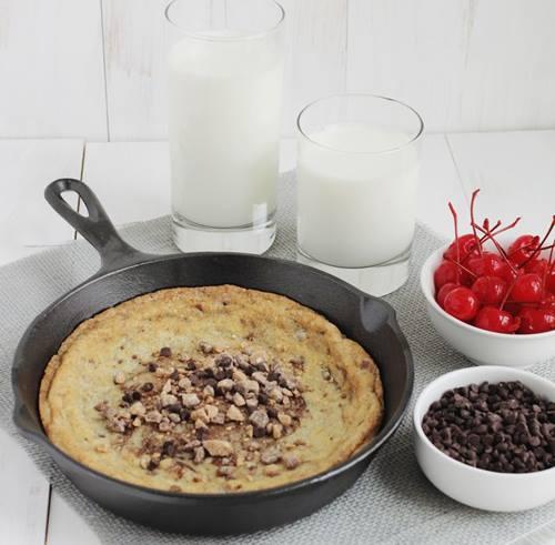 Tava-kurabiyesi-dondurma-ve-cikolatali-sunumlu-3