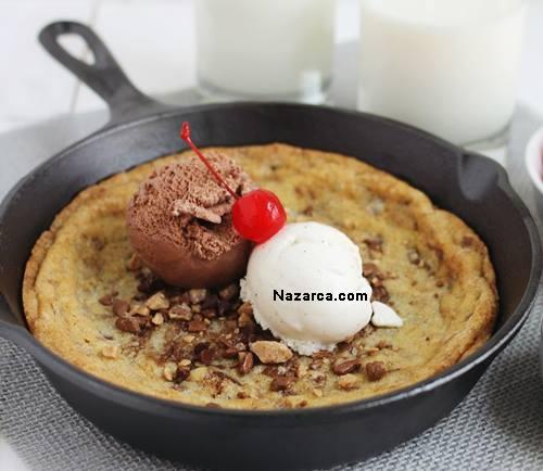 Tava-kurabiyesi-dondurma-ve-cikolatali-sunumlu