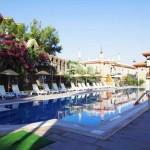 datca-perili-bay-resort-otel-havuzu