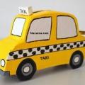 kartondan-ticari-taksi-seklinde-kumbara