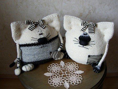 komik-kedi-orgu-yastik-modelleri-4
