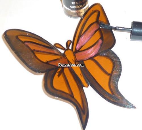 plastik-siselerden-oje-ile-boyanan-cok-guzel-kelebekler-yapmak-5