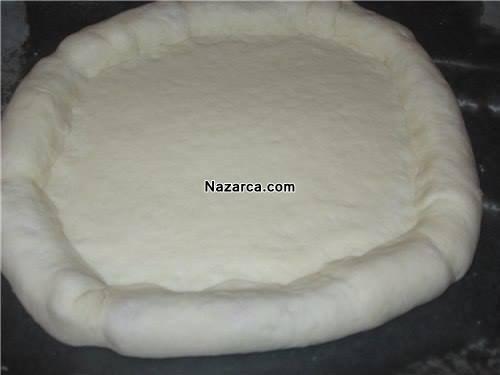 sosis-kenar-dolgulu-ilginc-pizza-tarifi-5