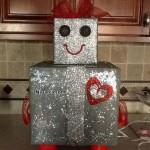 koli-karton-kutudan-kiz-robot