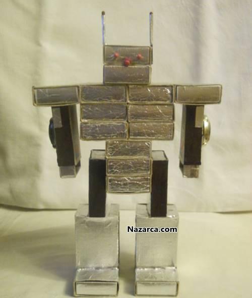 Робот из спичечных коробков