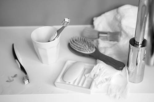 Banyo-icin-havlu-ve-aski-ile-fircalik-organizator-2