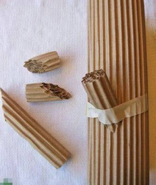Oluklu-kartondan-dekor-amacli-odunlar-3