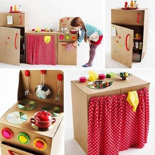 koli-karton-kutudan-mutfak-ekipmani-oyuncaklar