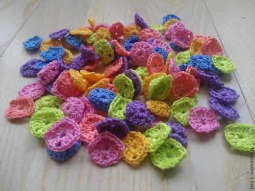 kucuk-renkli-motiflerden-tig-isi-bebek-battaniyesi