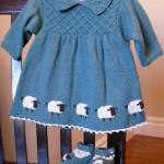 orgu-uzun-kollu-bebek-elbisesi-mavi