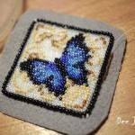 etamin-ustune-boncuklardan-kelebek-yapilisi-17
