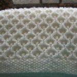 sisle-orgu-beyaz-battaniye