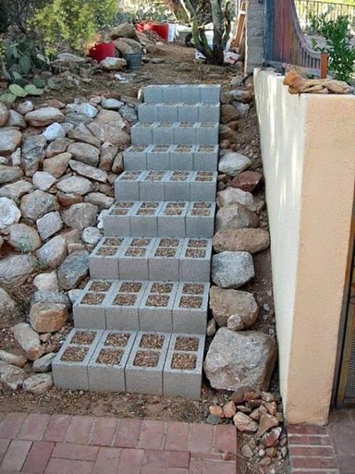 beton-briket-bahce-icin-merdiveni