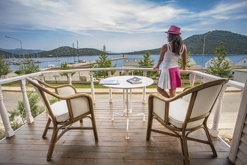 Antalya-kaş-kamp-alanı-tatil