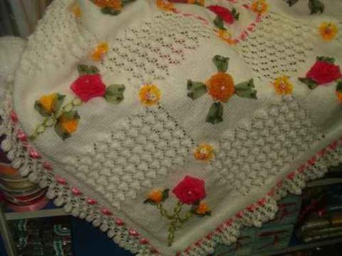 ornekli-kurdeleden-nakis-isli-battaniye