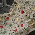 renkli-cicekli-patlamis-misir-ornekli-battaniye-ortusu