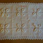 6-yaprak-motifli-beyaz-battaniye
