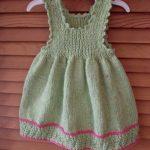 askili-yeni-orgu-bebek-elbisesi
