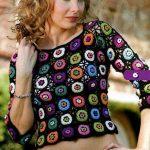 yuvarlak-motifli-renkli-bluz