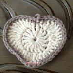 kare-ortasi-kalp-desenli-bebek-battaniyesi-12