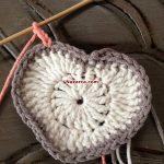 kare-ortasi-kalp-desenli-bebek-battaniyesi-13