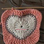 kare-ortasi-kalp-desenli-bebek-battaniyesi-20