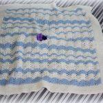 mavi-erkek-bebek-battaniye-karnabahar-orgusu