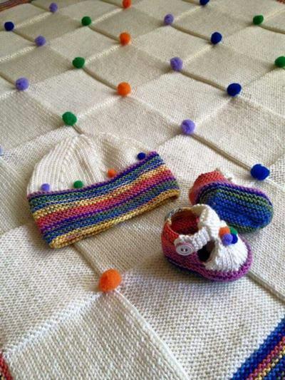ponponlu-bebek-orgu-battaniyeli-takim