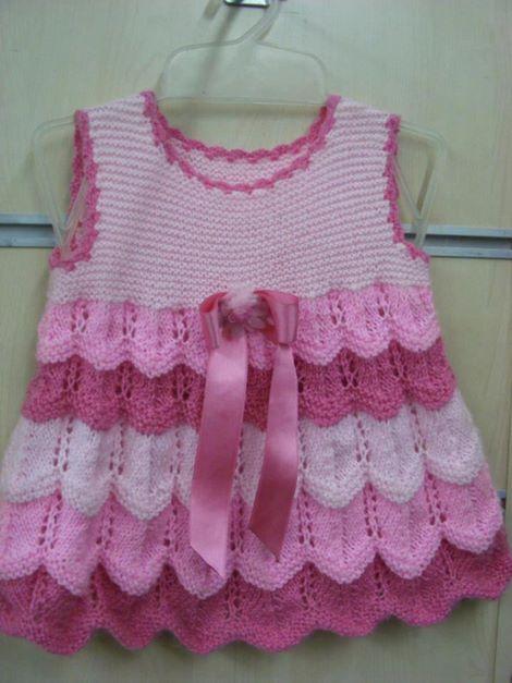 zizgzag-ornekli-kolsuz-bebek-elbise