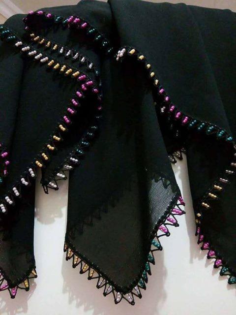 siyah-yazamada-boncuk-tepesi-oya-modeli
