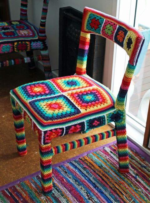 motifli-orgu-sandalye-giydirme