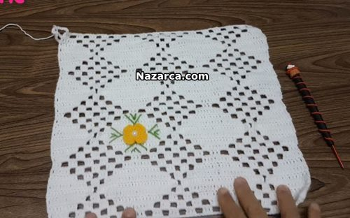 islemeli-cicekli-orgu-dantelden-battaniye