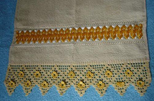 sari-papatyam-havlu-ucu-dantel-modeli