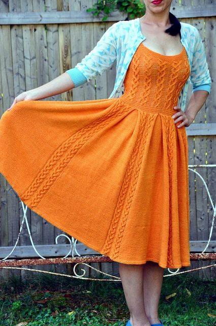 orgu-sisle-turuncu-boydan-bayan-elbise