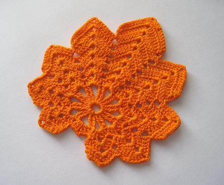 orgu-tigla-turuncu-cinar-yapragi