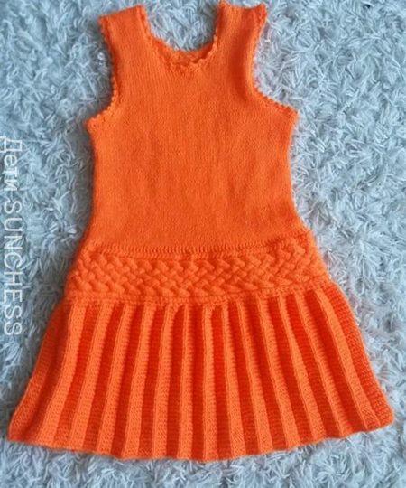 turuncu-kiz-cocuk-pileli-elbise