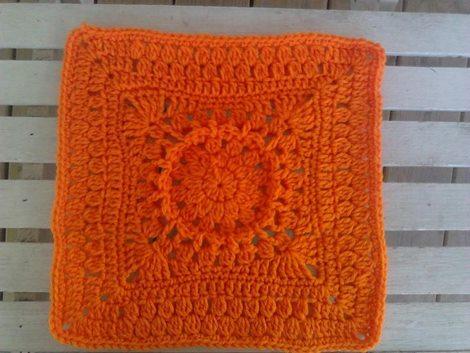 turuncu-tek-renk-kare-tig-motif