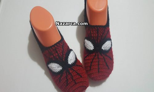 knit-spiderman-booties