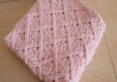 parmaklarla-ilmek-ormeli-bebek-battaniye