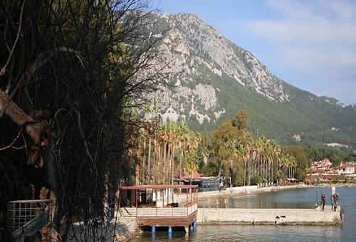 Akyaka-Orman-plaj-Kamp-Alanı