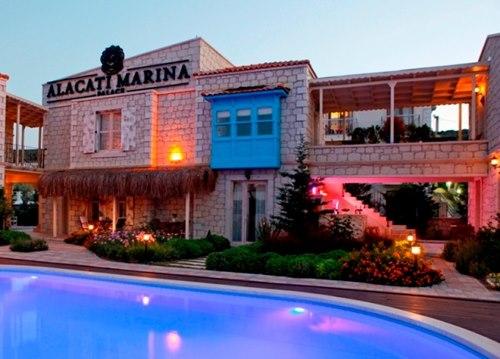 Alaçatı-Marina-Palace