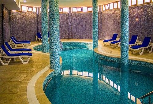 Form-Hotel-Thermal -Spa -Kazdağlari-kapali-havuz