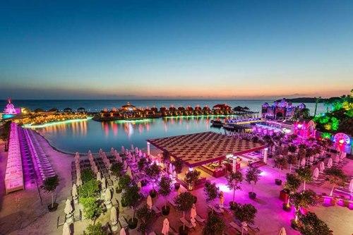 Kibris-Cratos- Premium Hotel-havuz-plaj