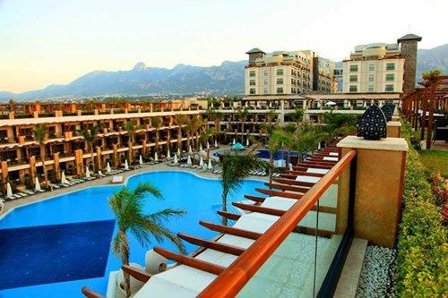 Kibris-Cratos- Premium Hotel-havuz