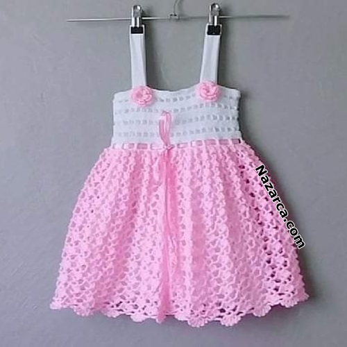 zarif-pembe-askili-minik-bebek-elbiseleri